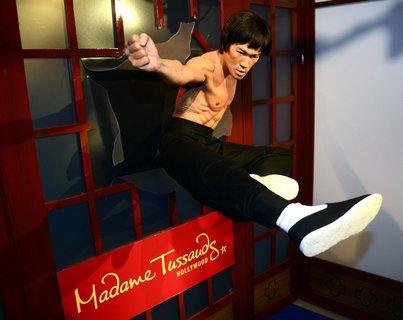 Eine Legende. Wachsfigur von Kampfkünstler Bruce Lee im Madame Tussauds Hollywood.